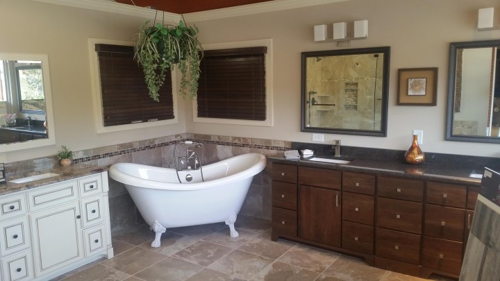 Clawfoot-tub-custom-bath-cabinets-Raleigh