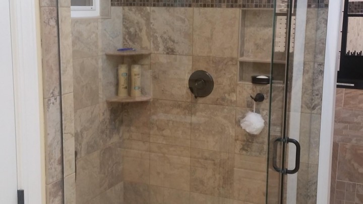 Framesless-Shower-Cary-bath-Remodel