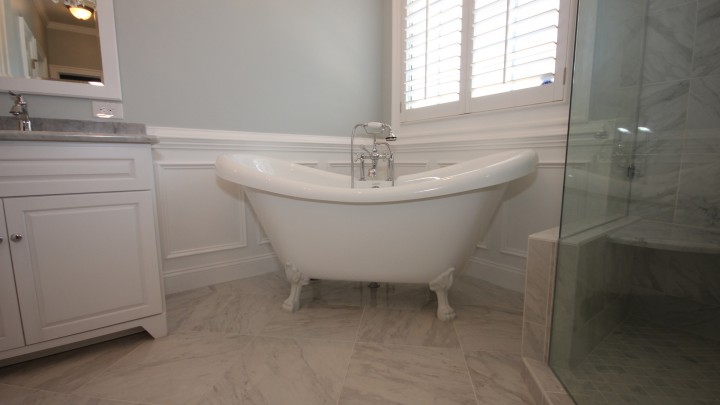 Beautiful classic clawfoot bathtub