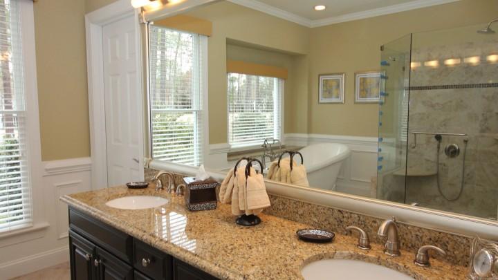 bath-remodel-dark-cabinets-raleigh