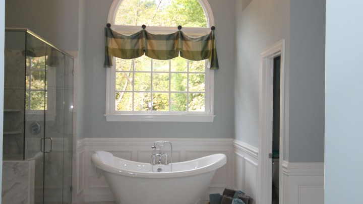 Clawfoot bathtub Raleigh remodel
