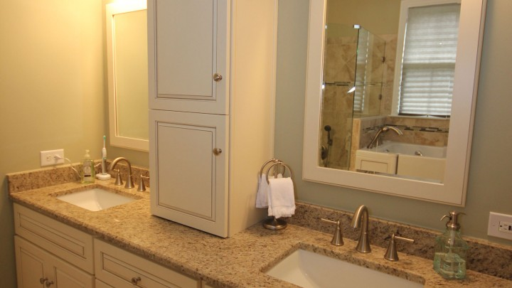 light-bath-cabinets-apex
